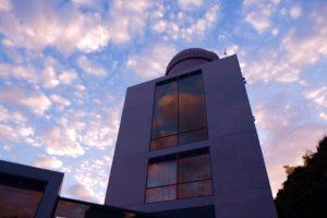 安藤建築と夕暮れ